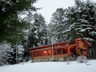 8 bedroom Lodge with Water Views in Ely - Ely vacation rentals