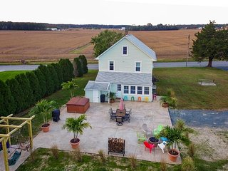 Family-friendly farmhouse, with plenty of room, privacy, & a hot tub! - Ocean Pines vacation rentals