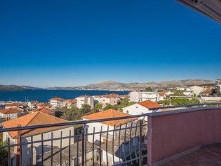 TH01808 Apartments Villa Dolac / Four bedrooms A5 - Okrug Gornji vacation rentals
