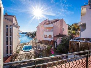 TH01857 Apartments Šušnjara / One bedroom A2 - Okrug Gornji vacation rentals