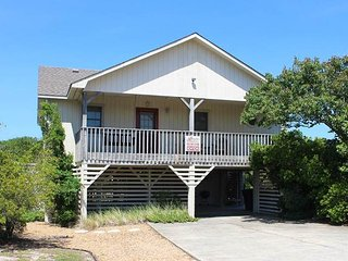Cozy 3 bedroom Kitty Hawk House with Deck - Kitty Hawk vacation rentals