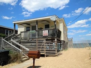 Cozy 2 bedroom Kitty Hawk House with Deck - Kitty Hawk vacation rentals