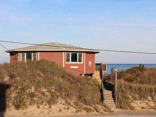 Perfect House with Deck and Internet Access - Kitty Hawk vacation rentals