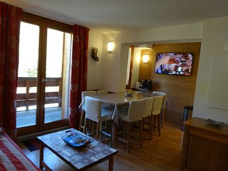 Nice Condo with Internet Access and Central Heating - Valloire vacation rentals