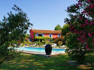 Mas des Couleurs, tennis court, private pool, AC, 5 bedrooms - Saint-Remy-de-Provence vacation rentals