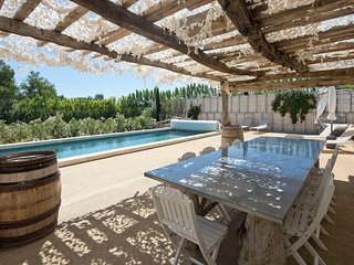 MAS FOLIE DOUCE SLEEP 10 HEATED POOL 10 GUESTS AC 2 MIN TO VILLAGE - Maussane-les-Alpilles vacation rentals