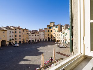 """Piazza Anfiteatro"" cozy apartment - Lucca vacation rentals"