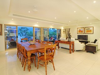 Le Jarden 4 bedroom Penthouse - Airlie Beach - Airlie Beach vacation rentals