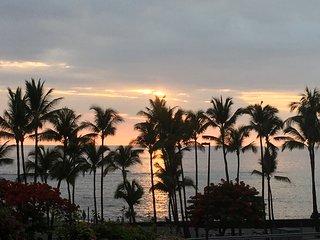 Oceanview Beach Villa, 2 bedroom, 2 bath, Sleeps 5 - Kailua-Kona vacation rentals