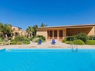 Adorable 4 bedroom Villa in Triscina - Triscina vacation rentals
