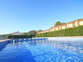 House with beautiful garden and pool - L'Estartit vacation rentals