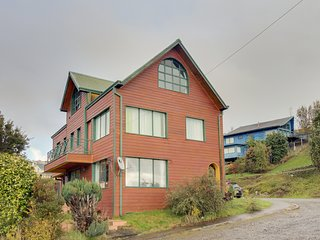 Comfortable 6 bedroom House in Puerto Varas with Internet Access - Puerto Varas vacation rentals