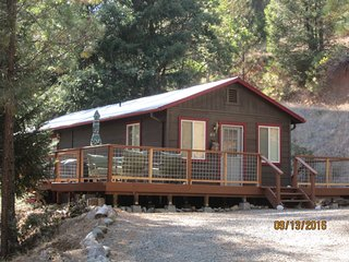 Poker Bar Farms - Cabin in the Woods/Douglas City - Lewiston vacation rentals
