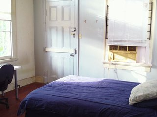 Nice Condo with Internet Access and A/C - New Orleans vacation rentals