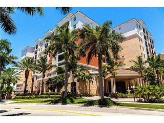 PORTO BELAGIO 3/2 BEAUTIFUL CONDO ON THE 4TH FL - Sunny Isles Beach vacation rentals