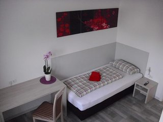 Bright 1 bedroom Private room in Velpke with Deck - Velpke vacation rentals