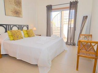 Modern 2 bedroom penthouse apartment with free wi fi - Cabanas de Tavira vacation rentals