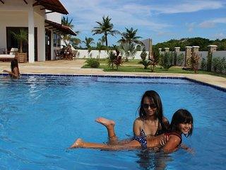 Casa de praia 6 suítes com piscina e banheira acomoda 20 Paraiso do Brasil. - Touros vacation rentals