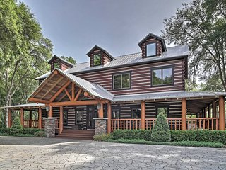 'The Lodge at Wekiva' Extravagant 3BR + Loft Apopka Cabin on 8 ½ Acres w/Wifi, Huge Private Wraparound Porch & Sweeping Views - Minutes to World-Class Theme Parks, Beaches & Golf! - Apopka vacation rentals