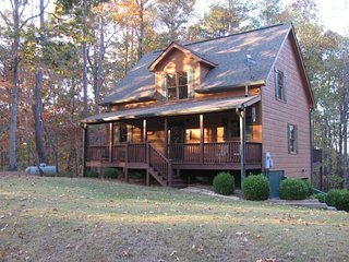 Secluded and Spacious 2 Bedrooms 2 1/2 bathrooms - Ellijay vacation rentals