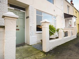 THE WATCH BELOW, ground floor modern apartment, pet-friendly, WiFi, in Polruan, Ref 948762 - Polruan vacation rentals