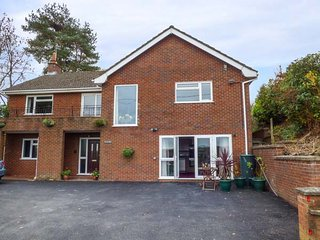 PLUM HILL APARTMENT, ground floor apartment, pet-friendly, WiFi, Oswestry, Ref 949423 - Oswestry vacation rentals
