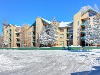 Comfortable, dog-friendly ski-in/ski-out condo for two! - Brian Head vacation rentals