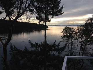 Cozy Cottage with Internet Access and Children's Pool - Pender Island vacation rentals