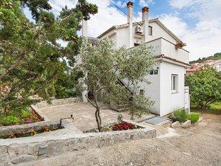 5384  A1(3+1) - Vrbnik - Vrbnik vacation rentals