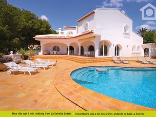 5 bedroom Villa with Television in World - World vacation rentals