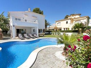 B03 GALLO gran villa en playa piscina privada wifi - L'Hospitalet de l'Infant vacation rentals