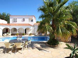 B34 VIENA gran villa con piscina privada - Miami Platja vacation rentals