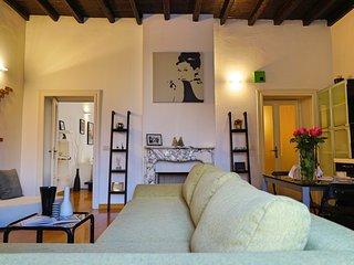 WONDERFUL APARTMENT IN PORTA GARIBALDI - Milan vacation rentals