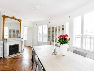 Best Location 3 Bedroom Paris - Paris vacation rentals
