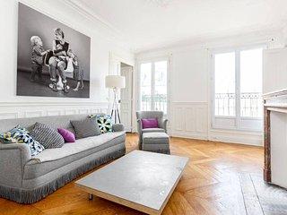 Classic Best Location 3 bedroom Paris - Paris vacation rentals