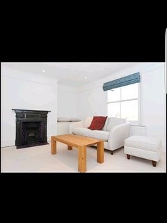 Stunning 2 Bed Flat West Hampstead - London vacation rentals