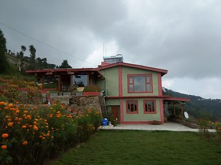 Bright Villa in Mukteshwar with Television, sleeps 15 - Mukteshwar vacation rentals