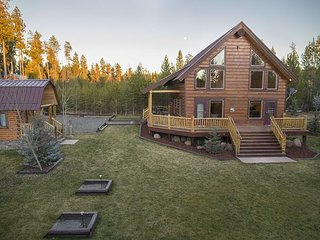 Luxury Lodge! Hot-Tub-Trail Access - Free WiFi! - Island Park vacation rentals