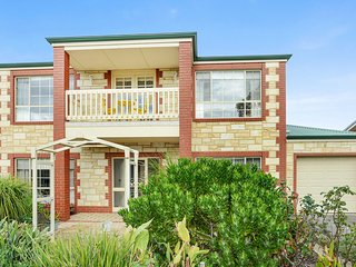 Spacious House with Internet Access and A/C - Port Elliot vacation rentals