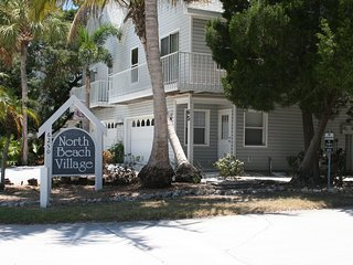 3 bedroom Townhouse with Deck in Holmes Beach - Holmes Beach vacation rentals