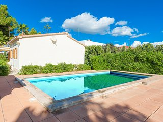 CAN BENAVENT - Villa for 6 people in s´arenal - El Arenal vacation rentals