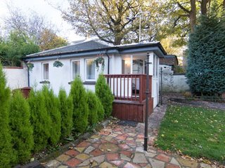Newly built bungalow.10 minutes from City Centre & Airport.Peaceful surroundings - Glasgow vacation rentals