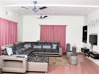 Bright 4 bedroom Vacation Rental in Coimbatore - Coimbatore vacation rentals