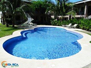 Beautiful Condo with Television and Microwave - Playas del Coco vacation rentals