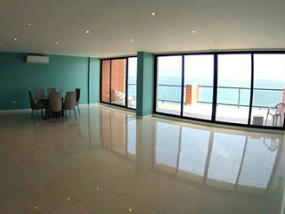 Beachfront/Oceanfront private rm in THE Penthouse! - Manta vacation rentals