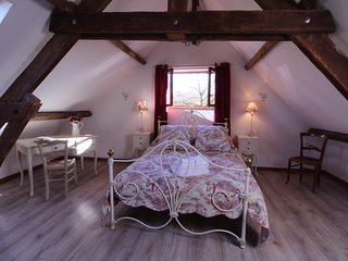 Bright 2 bedroom Barn in Larchamp - Larchamp vacation rentals
