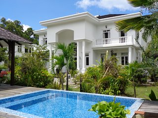 Deluxe two bedroom private villa with plunge pool 1 - Beau Vallon vacation rentals