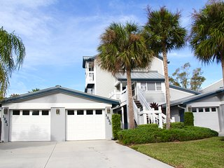 Beautiful Townhouse in Prime Location with Private Beach Access! - Siesta Key vacation rentals