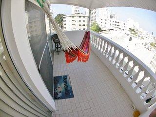 Espacioso Apartamento en la Playa para Viajeros - Salinas vacation rentals