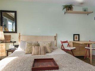 1 bedroom Condo with Washing Machine in Los Angeles - Los Angeles vacation rentals